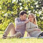 Лав стори фотосессия с мужем беременность на природе летом