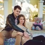 Беременная фотосессия лав стори в Коломенском на природе с мужем