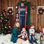 Семейная фотосессия зимой в студии