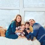Фото семьи в студии зимой новый год