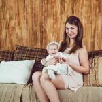 Мама с дочкой в студии фотосессия с ребенком