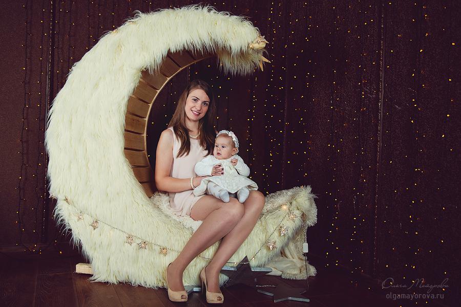 Портрет мамы с ребенком в студии Москва