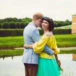 Лав стори фотосессия Анны и Валентина в Кусково пруд грот обнимашки объятия