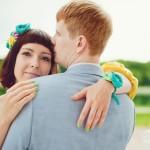 Лав стори фотосессия Анны и Валентина в Кусково влюбленные любовь пара объятия спина улыбка нежность чувства лето