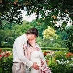 Свадебный фотограф Ольга Майорова свадьба в Королеве прогулка в розарии сокольники