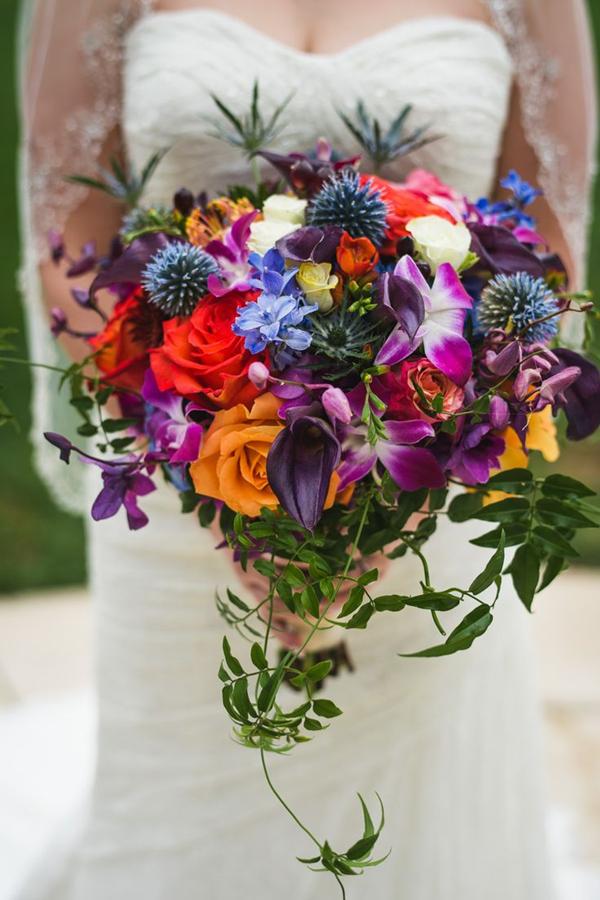 Каскадный свадебный букет большой модные тренды 2018